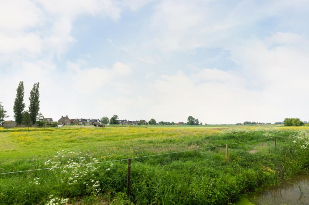 24-achtertuin-uitzicht